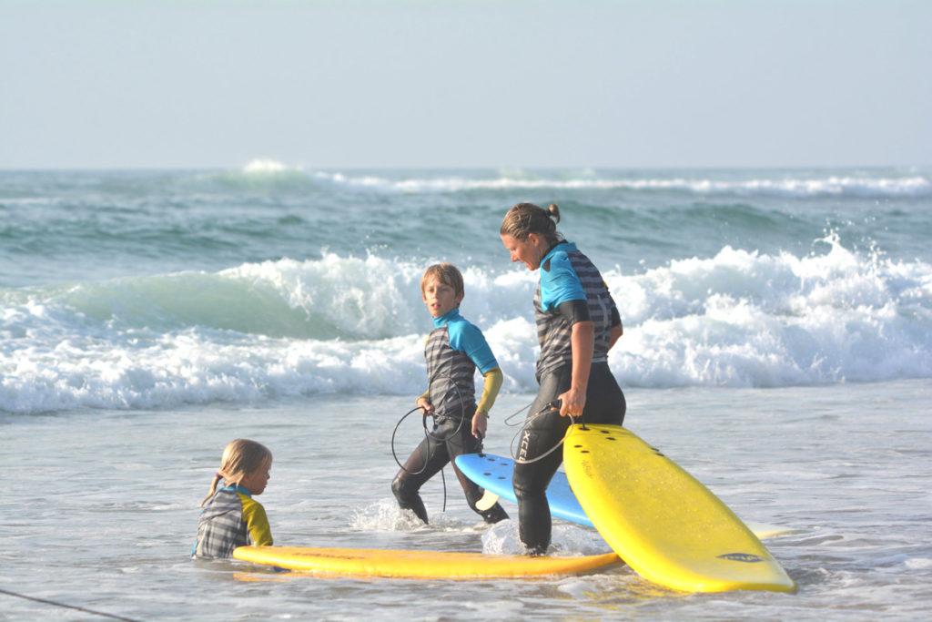 cours-surf-en-famille