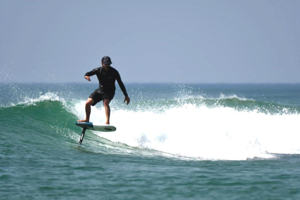 foil-pacome-moniteur-desertpoint-ecole-surf-messanges
